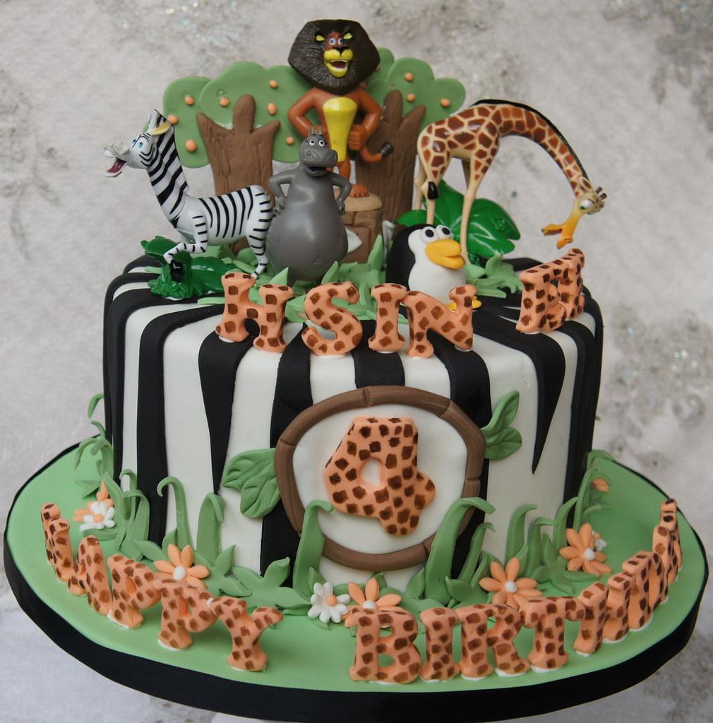 1000  ideas about Madagascar Cake on Pinterest   Panda Cakes ...