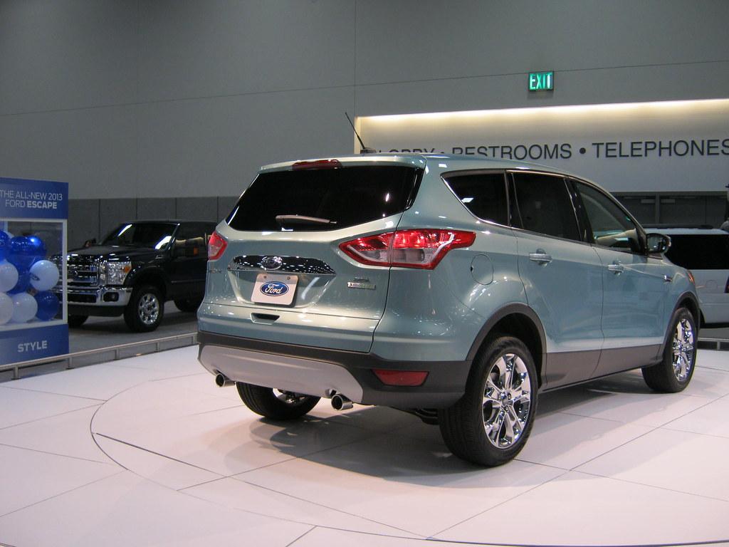 2013 ford escape titanium 4dr suv 2 0l turbo auto. Black Bedroom Furniture Sets. Home Design Ideas