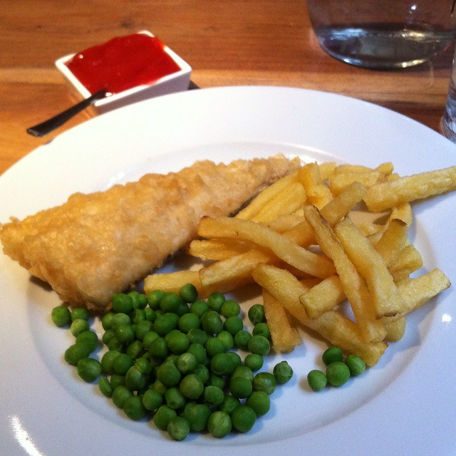 Traditional Battered Fish And Chips With Garden Peas And Tartar Sauce ...
