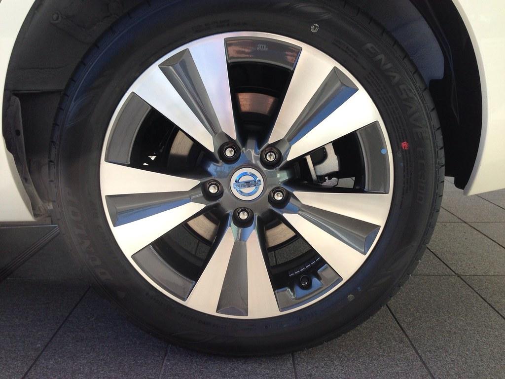 Nissan Of Mobile >> 日産リーフ 17インチアルミホイール(グレードG標準) | NISSAN MOTOR CO., LTD. | Flickr