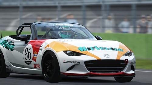 Mazda MX5 Cup - Hot Version - Media 4h race 2015 (3)