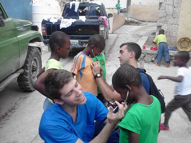 HWCOM Medical Students Spend Their Thanksgiving in Haiti