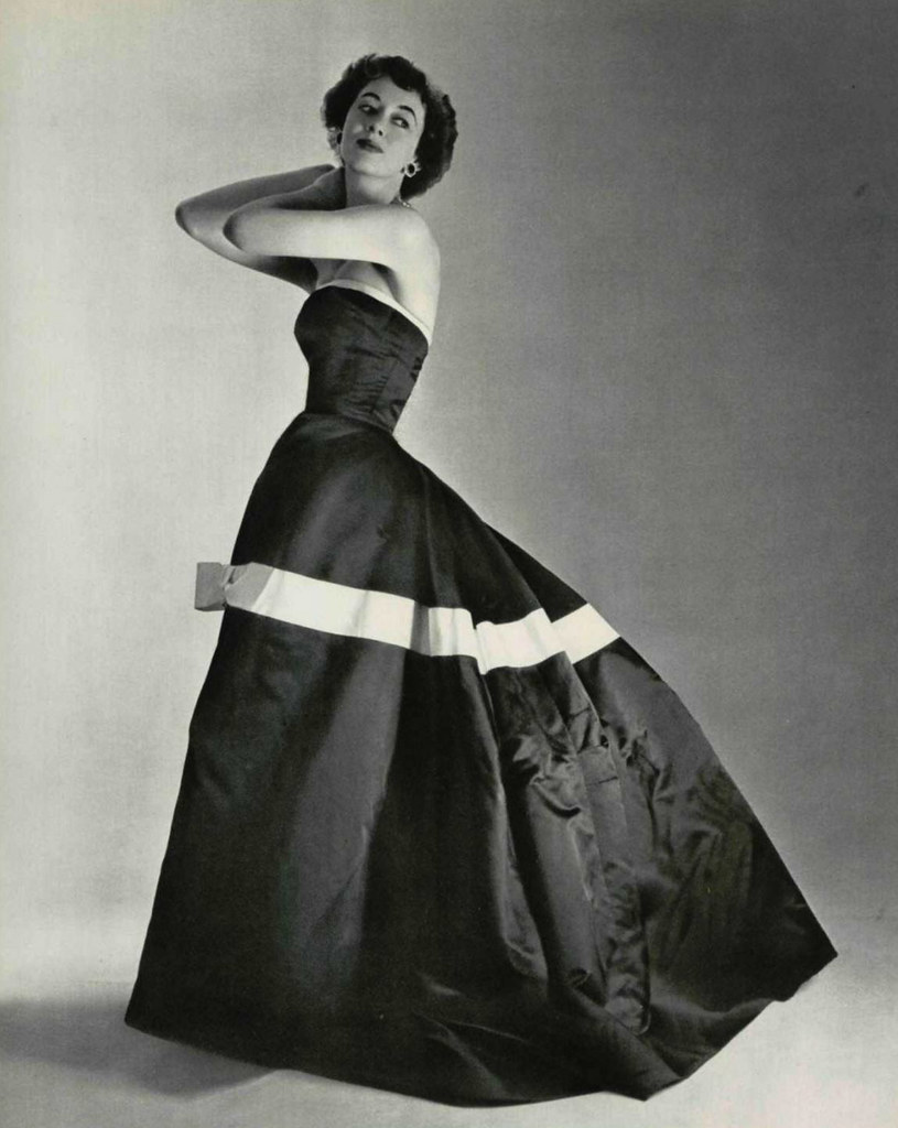 Robe du soir 1953 l39officiel de la mode 1953 robe du for Robe de soir