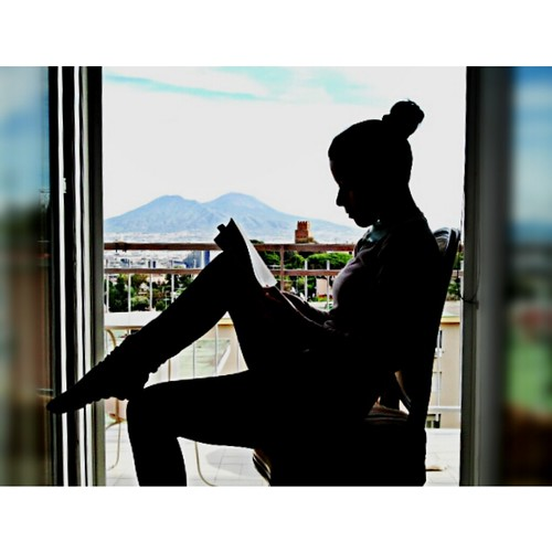 Ragazza alla finestra numero due faccio due conti molti flickr - Ragazza alla finestra ...