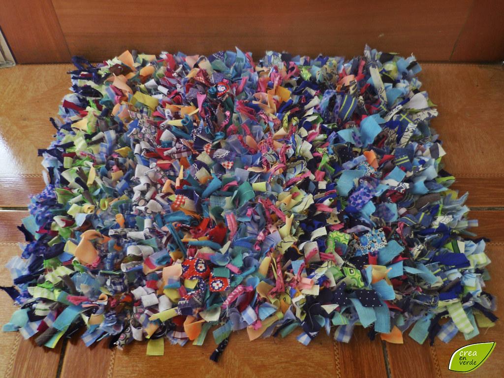 Limpia pies mini alfombra hecha de ropa y tela for Alfombra verde para jardin