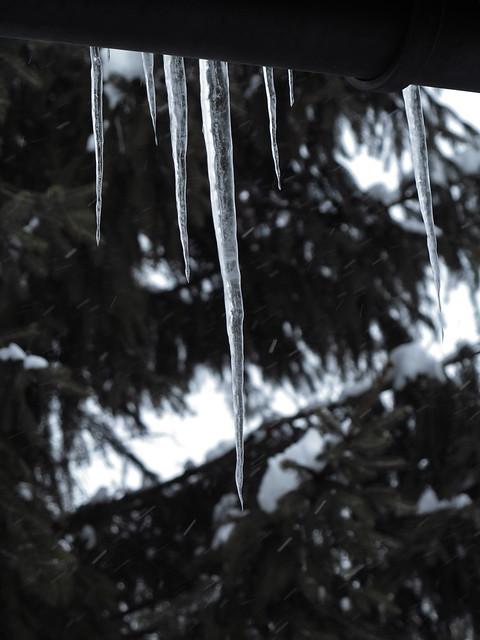 winter icicles eiszapfen dachrinne bayern upper bavaria. Black Bedroom Furniture Sets. Home Design Ideas