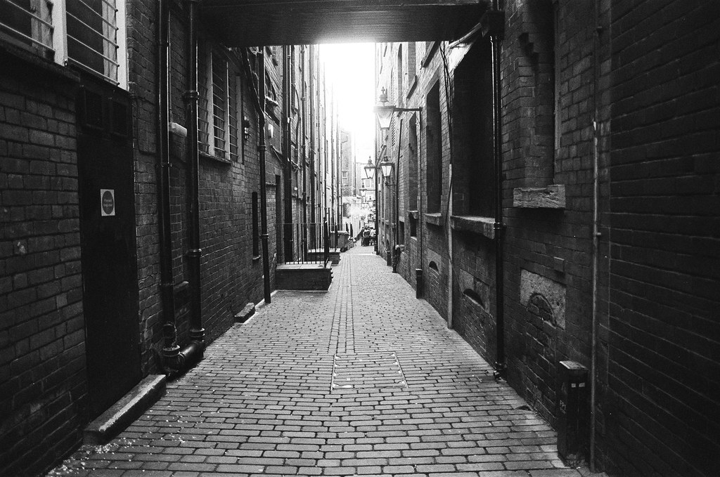 002 Ship Inn Alley, Leeds
