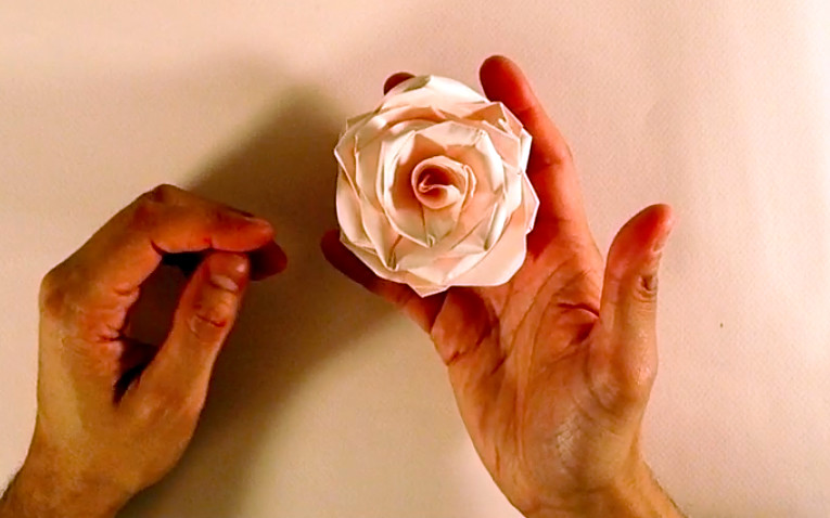 Origami Rose Instructional Video Mabonaorigamitumblr Flickr