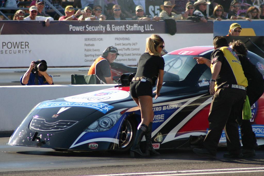 Drag Race Car Builder Games