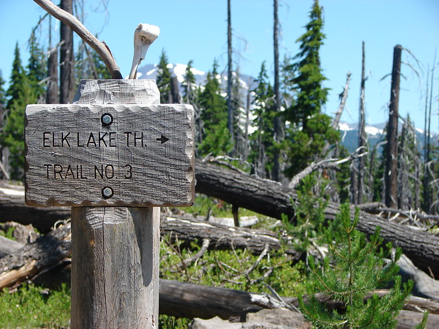 Trail sign for the Elk Lake Trailhead