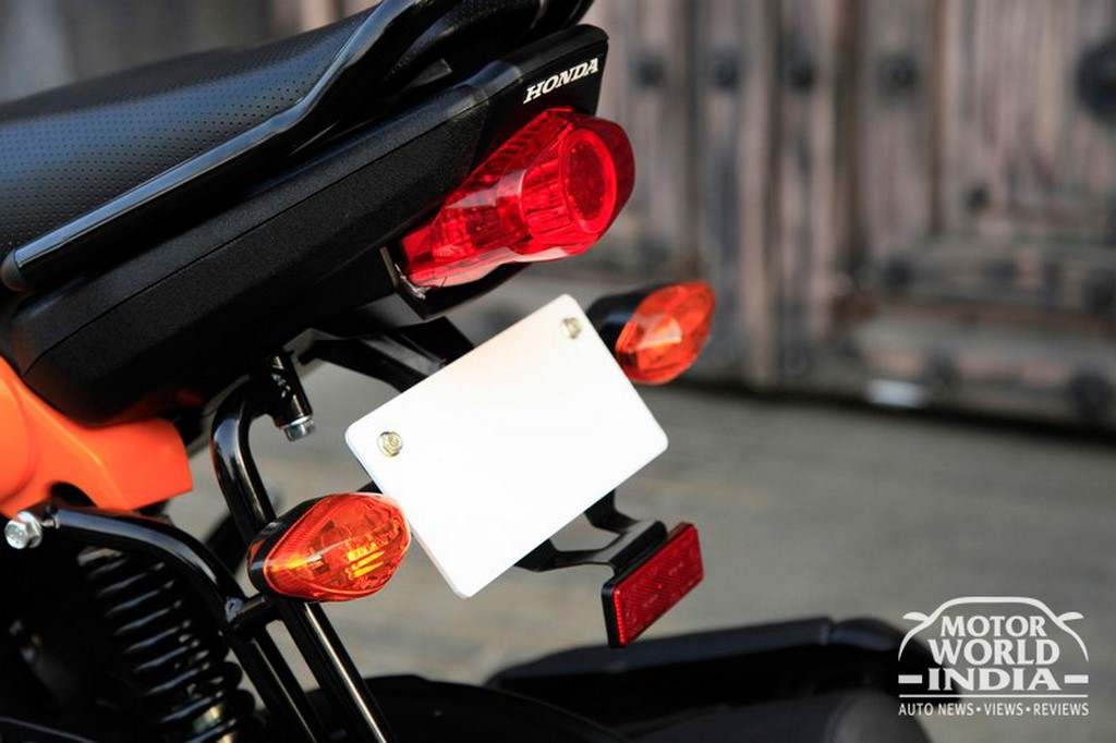 Honda-Navi-Taillight (3)