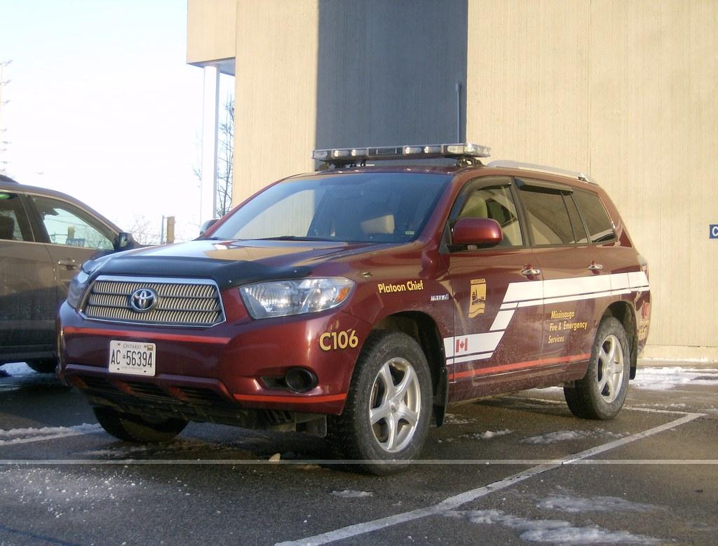 Mississauga Fire Platoon Chief Car 106 2009 Toyota