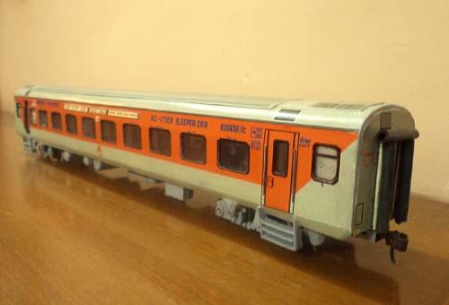 Mumbai New Delhi Rajdhani Express Lhb Coach With Cbc Coupl