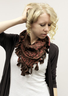 No Sew Script Scarf | by Urban Threads