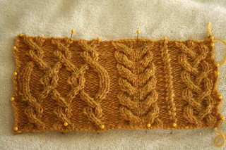 Mariah swatch in Jamieson's of Shetland Double Knitting, color: Flax | by ElinorB