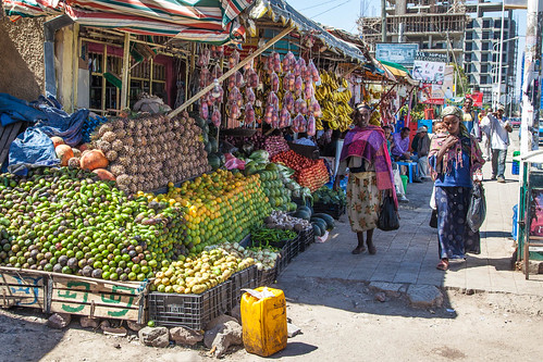 fruit market in addis ababa olli pitk nen flickr. Black Bedroom Furniture Sets. Home Design Ideas