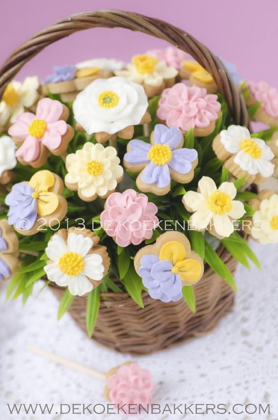 Spring Flower Cookie Bouquet | www.dekoekenbakkers.com | Flickr