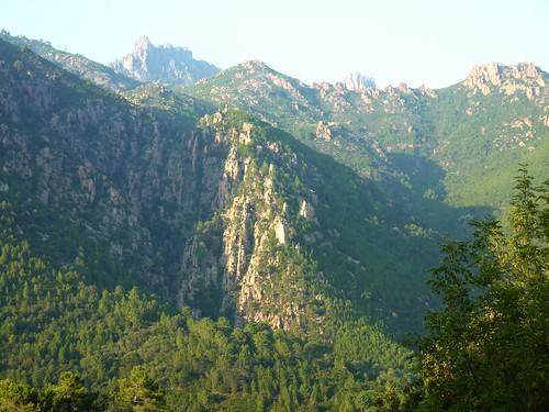 Le canyon de Lora avec le vrai ruisseau de Niffru à sa droite