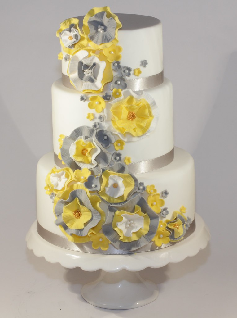 yellow & grey ruffle wedding cake | A dummy cake for a local… | Flickr