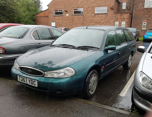 1999 ford mondeo 2 0 glx estate i 39 ve snapped this mondeo. Black Bedroom Furniture Sets. Home Design Ideas