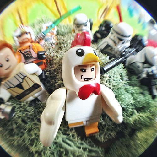 Chicken man chased by Jedi and troopers #lego #starwars | by Patrick Ng