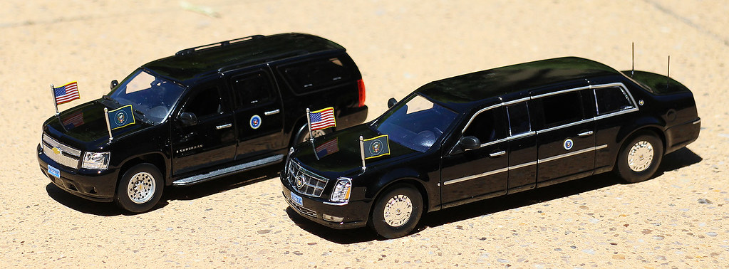 Luxury Diecast 1 43 Presidential Limousine And Chevrolet S
