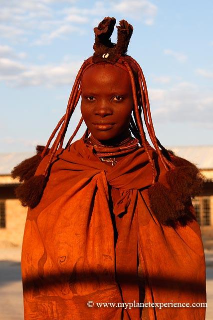 Himba Woman.Namibia taking smokebath   Fotografie, Portret