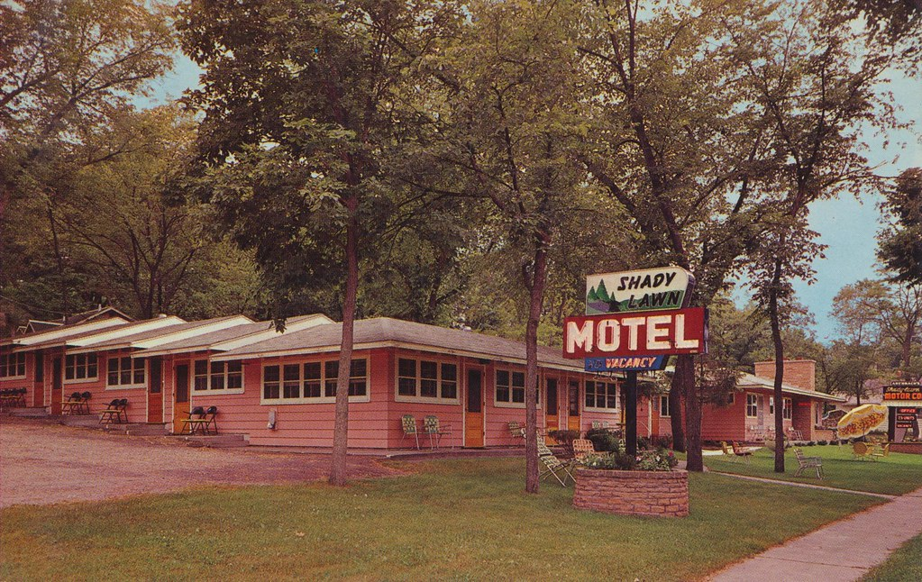 Auerbach's Shady Lawn Motel - Wisconsin Dells, Wisconsin