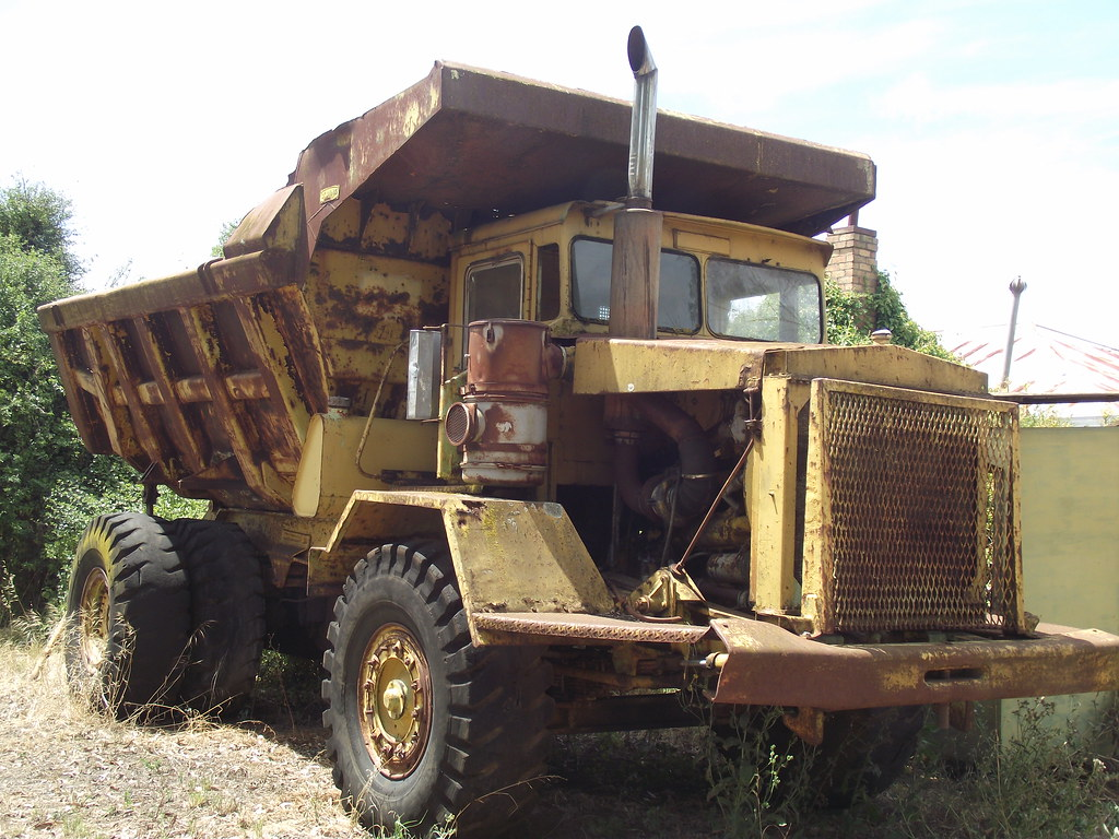 1963 Euclid Dump Truck These Was Some Old Earthmoving