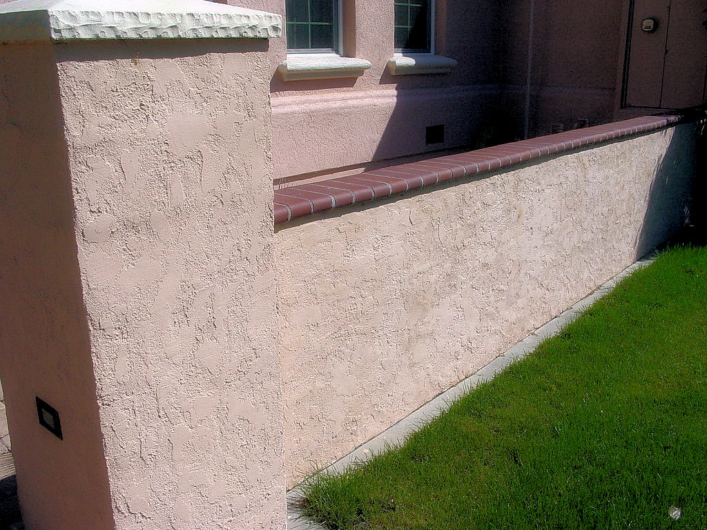 Block wall column with stucco brick cap block wall - How to stucco exterior cinder block walls ...