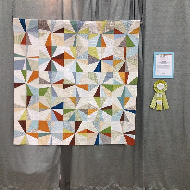 One Of My Favorite Quilts In The Show Bee Quilt 1st Plac Flickr