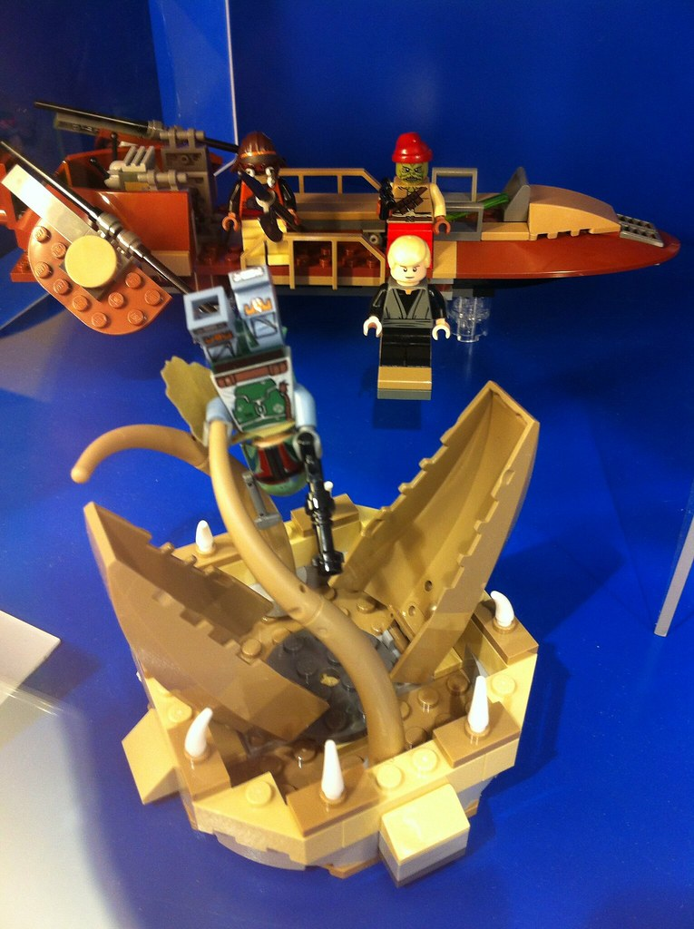 Lego Star Wars, Sarlacc pit scene with Jabba's skiff, Luke ...