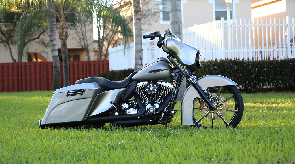 8186705518 moreover Watch likewise Interview with Cat Hammes additionally 9159813 Dannys Custom Harley Davidson Trike likewise 39098 1990 honda cbr1000f crb 1000 1000f perfect hurricane. on harley davidson white fatboy