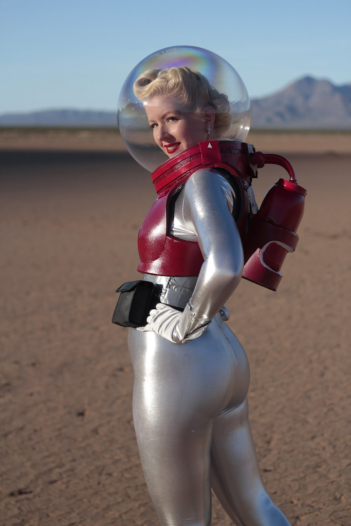 Retro Sci Fi Space Suit (page 3) - Pics about space