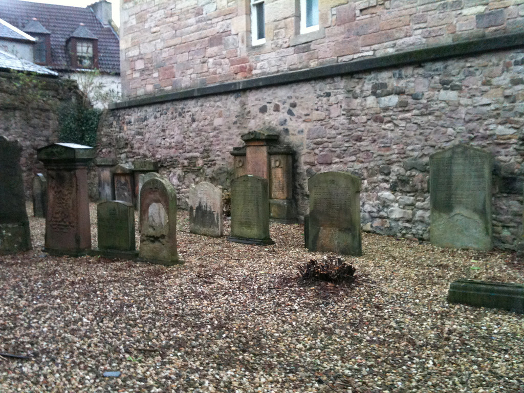 Discover Edinburgh's Old Jewish Cemetery - Urban Ghosts