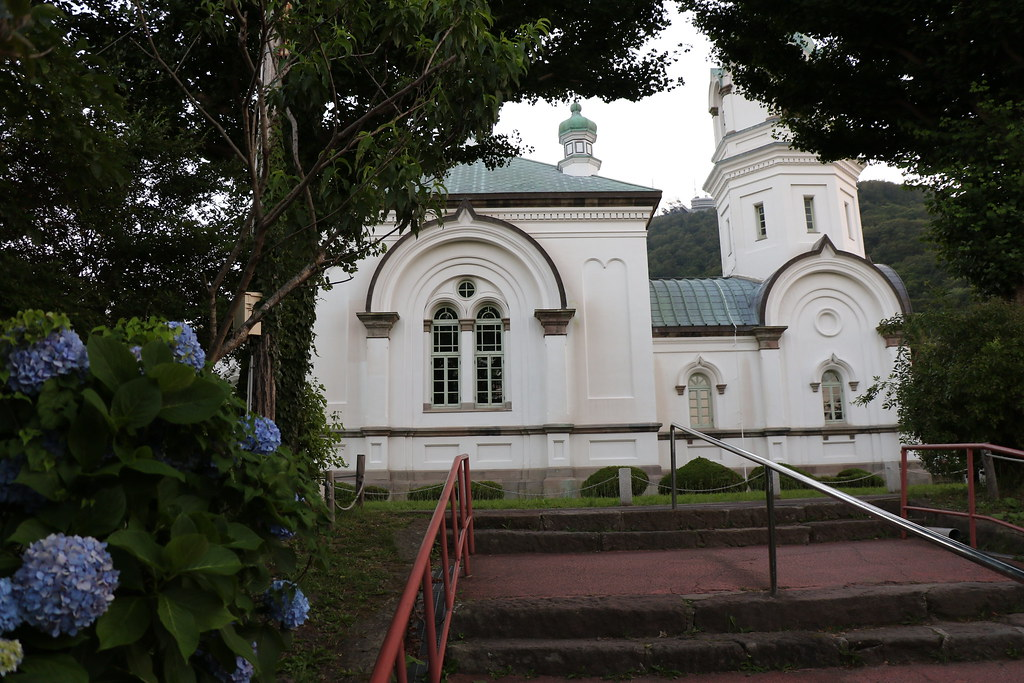 approach to church 函館ハリストス正教会 hakodate russian orthodox