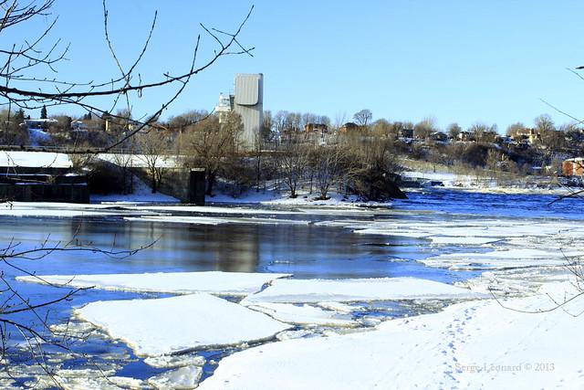 Centrale électrique de la rivière-des-prairies - rivière des