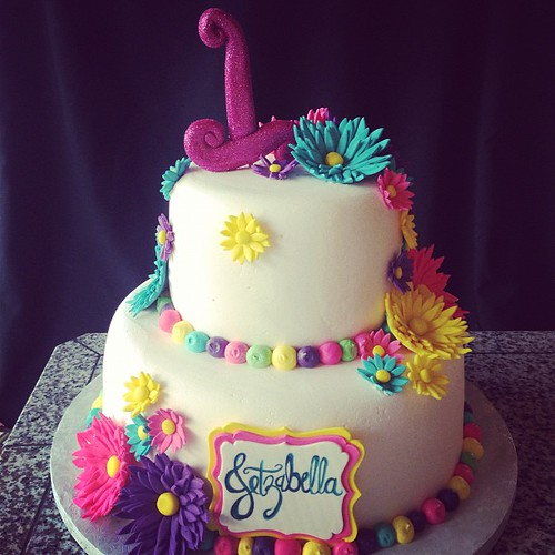Daisy cake #daisies #flowers #1st #birthday #colorful #ger ...