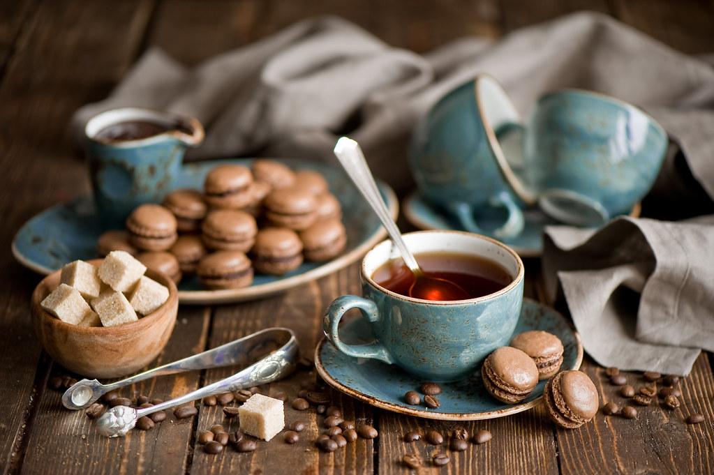 Чашка кофе на столе фото