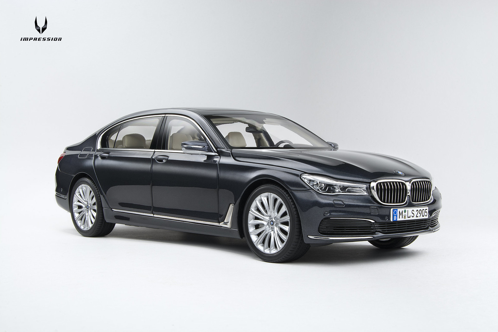 1 18 iscale bmw 750li g12 forocoches. Black Bedroom Furniture Sets. Home Design Ideas