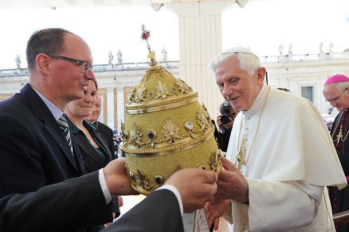 Pope Benedict XVI has been presented with his own papal tiara | by manhhai
