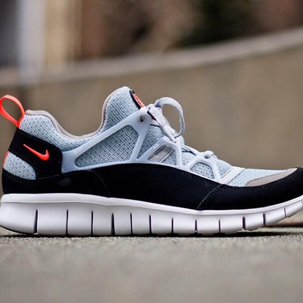 fast delivery fashion style size 40 Nike Free Huarache Light