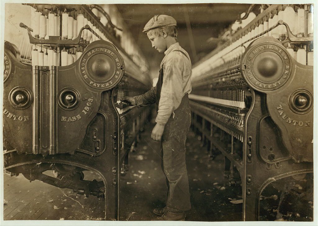 the changes in the role of women after the industrial revolution