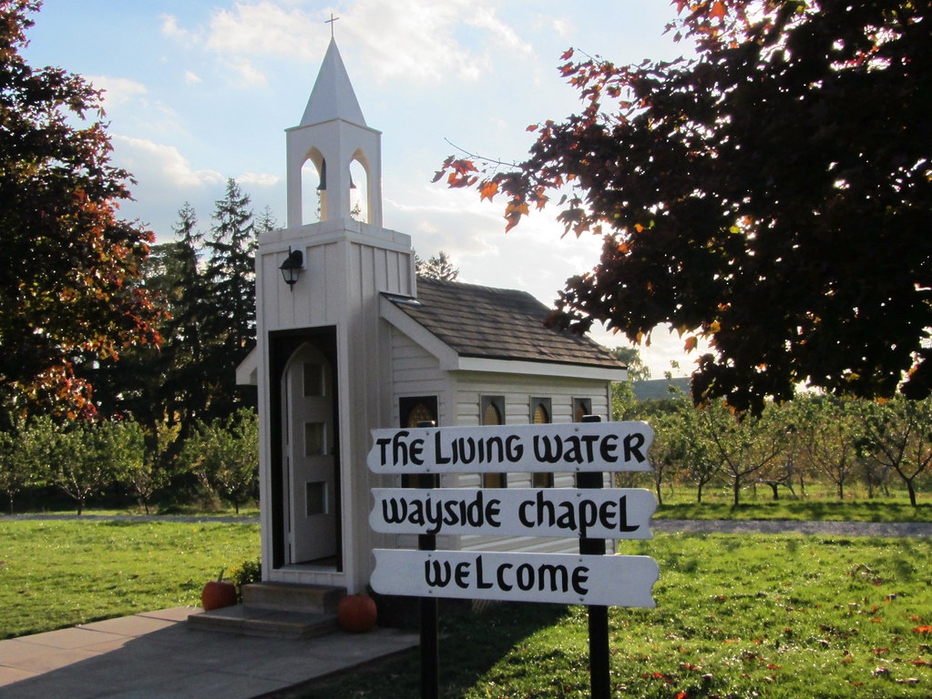 Tiny Church The Living Water Wayside Chapel Is Allegedly T Flickr