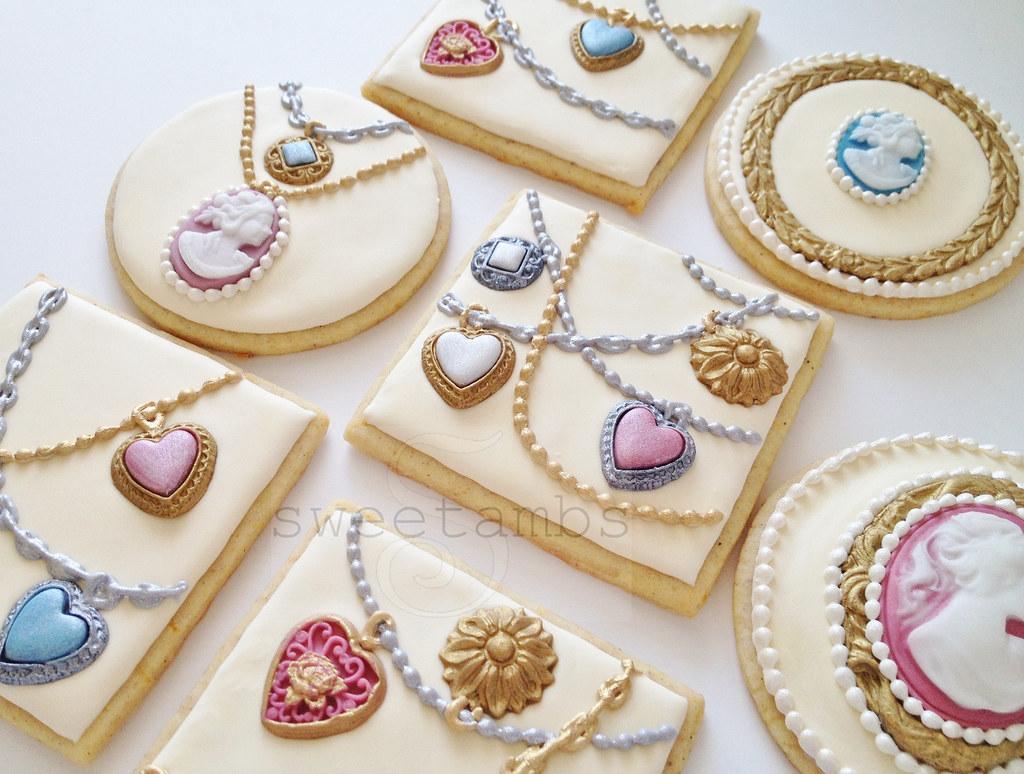 Cookie Cake Jewel