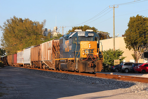 Csx O721 05 One Of The Tighter Shots O721 Takes Off From Flickr