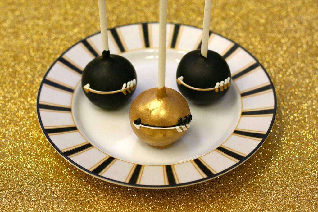 Black Cake Pops Cakes Gold And Black Arrow