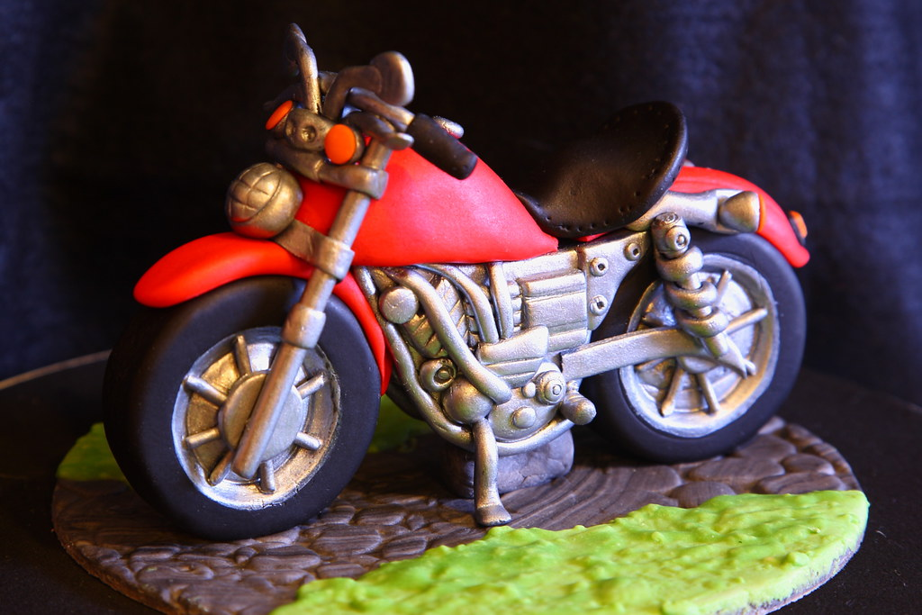 Amanda 39 s cake art motorbike topper flickr for Motorbike template for cake