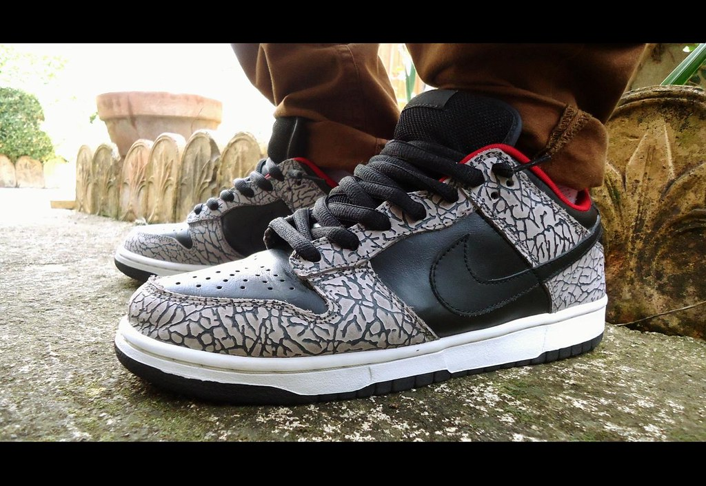 brand new 0164e f93af ... hot nike dunk low sb supreme black by sneaker freak 7aa17 111d6