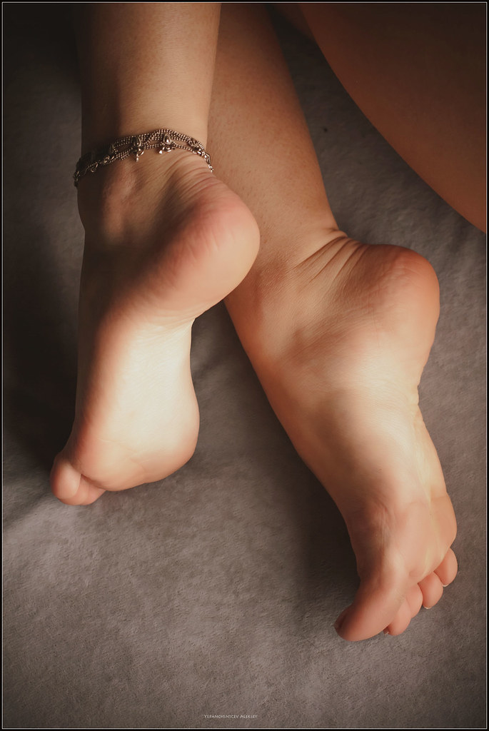 Foxy girl with hot legs has some hardcore foot fetish fun with a hung lad № 1126343 загрузить